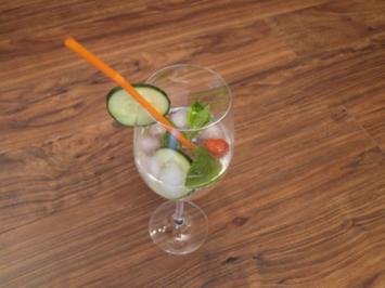 Vermouth aus Gironde mit Gurke und Minze - Rezept