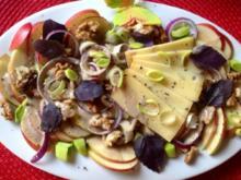 Apfel-Porreesalat mit Walnüssen, Käse und Joghurtdressing - Rezept