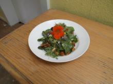 Wildkräuter-Blumensalat - Rezept