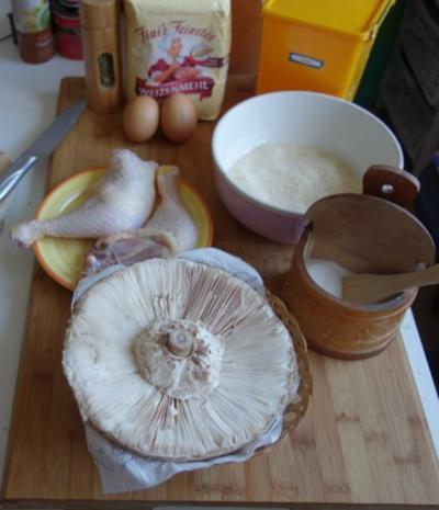 Hendlhaxn - Hühnerkeule paniert, garniert mit Parasolpilz - Rezept - Bild Nr. 5