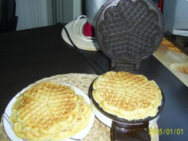 Dessert: Köstliche Waffeln mit warmen Himbeerpüree - Rezept - Bild Nr. 3