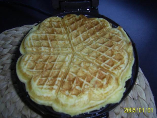 Dessert: Köstliche Waffeln mit warmen Himbeerpüree - Rezept - Bild Nr. 4