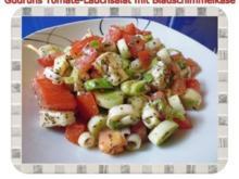 Salat: Tomate-Lauch-Salat mit Blauschimmelkäse - Rezept