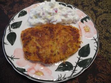 Kartoffel-Röstis mit Karottentrester an gewürfelten Ziegenkäse in Zwiebelquark nach Budwig - Rezept