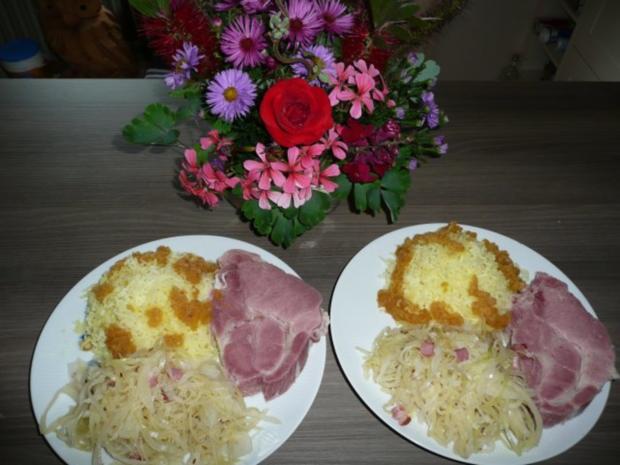 Rippchen, Sauerkraut und Kartoffelschnee. - Rezept