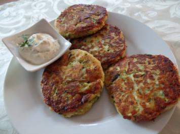 Zucchini-Plätzchen mit Schafskäse - Rezept