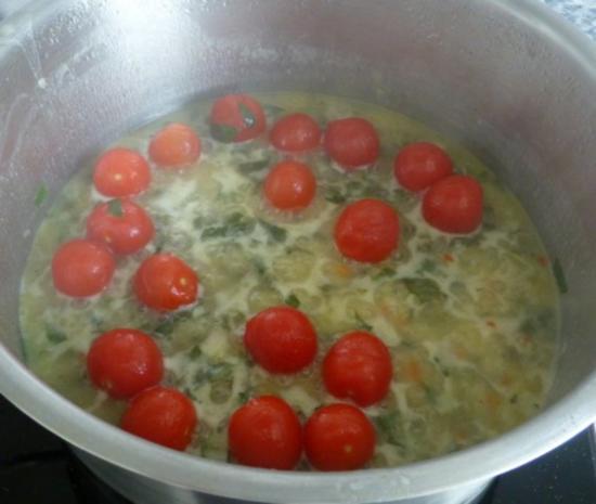 Herzmuscheln in Zwiebel-Tomaten-Knoblauchsauce - Rezept - Bild Nr. 2