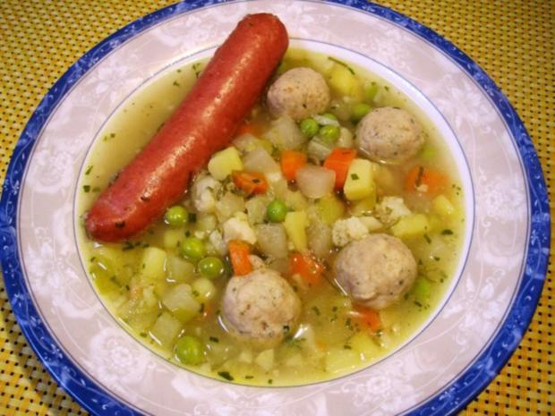 Gemüsesuppe mit Mark-Klößchen - Rezept