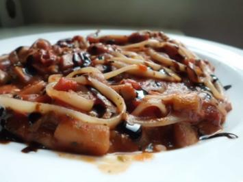 Pfannengericht: Tomaten-Pilzpfanne mit Pasta - Rezept