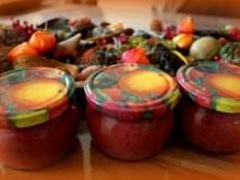 Zwetschgen-Marmelade mit Mohn und Marzipan - Rezept