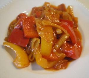 Paprika Lauch Zwiebel Soße - Rezept
