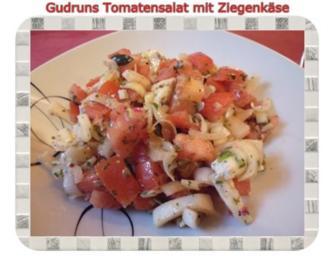 Salat: Tomatensalat mit Ziegenkäse - Rezept