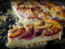 Walnuss-Zwetschgen-Kuchen mit Guss - Rezept