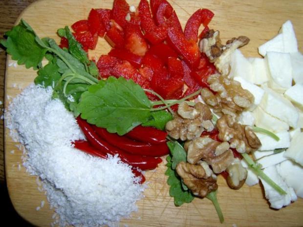 Kartoffelsalat mit Piri-Piri, Kokos, Zucchini, Mozarella und Walnüssen - Rezept - Bild Nr. 3