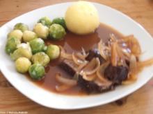Rinderschmorbraten mit Zwiebelsoße - Rezept
