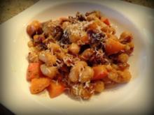 Gnocchi mit Kürbis, getrockneten Tomaten und Steinpilzen - Rezept