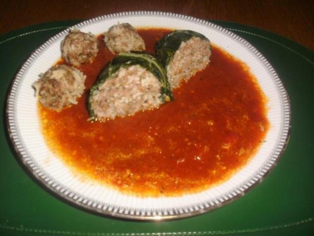 Geschmorte Mangold Päckchen und Hackbällchen auf Tomaten Sugo - Rezept - Bild Nr. 3
