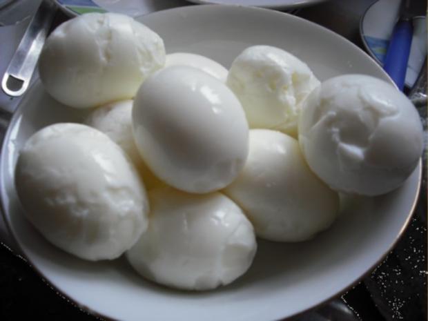 Gekochte Eier Bemalen : gekochte eier mit petersiliensauce und drillingen rezept ~ Watch28wear.com Haus und Dekorationen