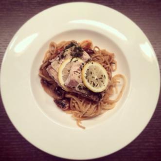 Lachsfilet auf Spaghetti - Rezept