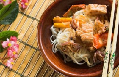 Rotes Hähnchencurry mit Gewürzreis und MaiTai - Rezept