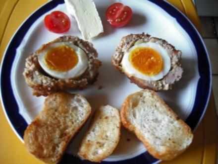 Gekochte Eier im Mettmantel - Rezept