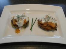 Kartoffel-Zucchini-Rösti mit Lachstatar und Crème Fraîche - Rezept