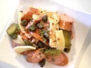 Wienerle Wurst Kapern Gurken Käse Salat - Rezept