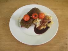 Lammrückenfilet mit Wildkräuterkruste mit Kräuter-Bandnudeln an Rotweinreduktion - Rezept