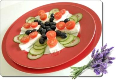Schafskäse Salat nappiert mit leckerem Lavendel Dressing - Rezept - Bild Nr. 2
