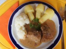 Schweinefleisch in Bier-Sahne-Sauce mit Blumenkohl und Kartoffelpilzen - Rezept