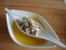 "Kürbissüppchen nach ""SuppenGeniesser Art"" mit Edelpilzkäse verfeinert - Rezept"