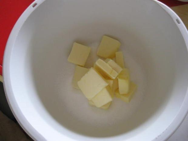 Käsekuchen mit Pflaumen und Streusel - Rezept - Bild Nr. 3