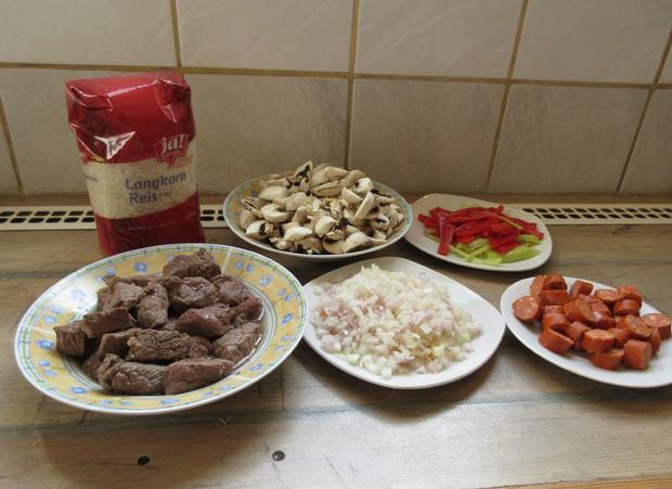 Eintopf mit Fleisch,- Wurst-, Champignons-, Reis und Paprika - Rezept - Bild Nr. 297