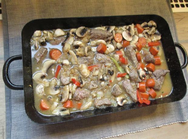 Eintopf mit Fleisch,- Wurst-, Champignons-, Reis und Paprika - Rezept - Bild Nr. 299