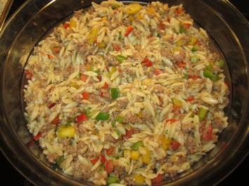 Rezept: Kritharaki - Salat mit Hackfleisch