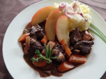 Hirsch-Ragout mit Apfel und Püree - Rezept