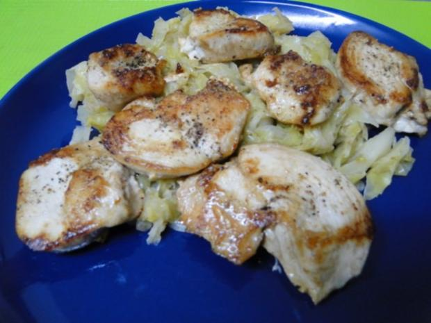 Butterspitzkohl mit Ministeaks vom Hähnchenbrustfilets - Rezept