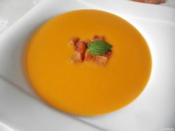 Apfel - Sanddorn - Suppe mit Zimt - Croutons ... - Rezept