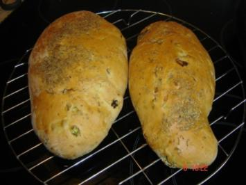 Peperonie Tomaten Brot - Rezept