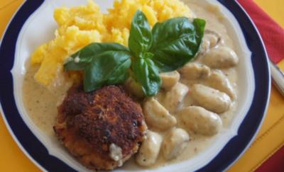 Buletten mit Rahmchampignons und Kürbis-Kartoffelstampf - Rezept
