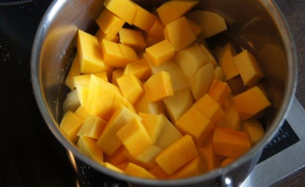 Buletten mit Rahmchampignons und Kürbis-Kartoffelstampf - Rezept - Bild Nr. 9