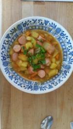 Kartoffel- Karotten Eintopf mit Frankfurter - Rezept