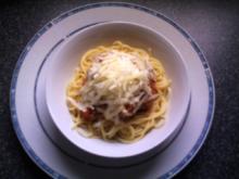 Bolognese-Soße aus Soja-Hackli - Rezept