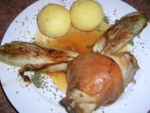 Haxen vom Spanferkel mit  geschmortem Chicorée und Klössen - Rezept