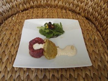 Tatar vom Ochsenfilet, Mandelmayonnaise, Rösti, Sommersalat - Rezept