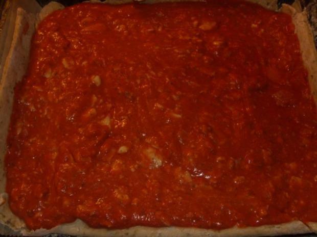 Pizza mit Tomate Schinken und Ziegenkäse - Rezept - Bild Nr. 3