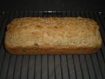 Brot-Weizenbrot mit Körnern - Rezept