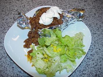Kartoffeln mit Barbecue-Mett - Rezept