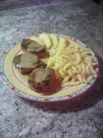 Schweinemedaillons in Apfel-Calvados-Sauce mit Spätzle - Rezept