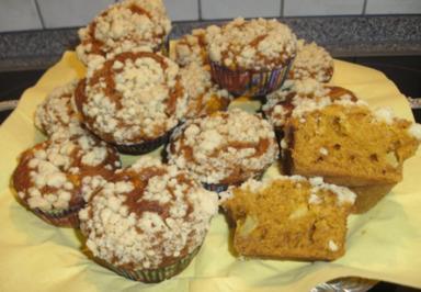 Kürbismuffins mit Äpfeln - Rezept